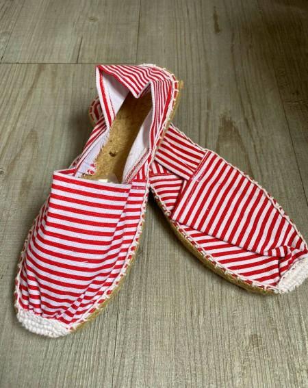 Espadrille à rayures pour femmes, coloris blanc et rouge