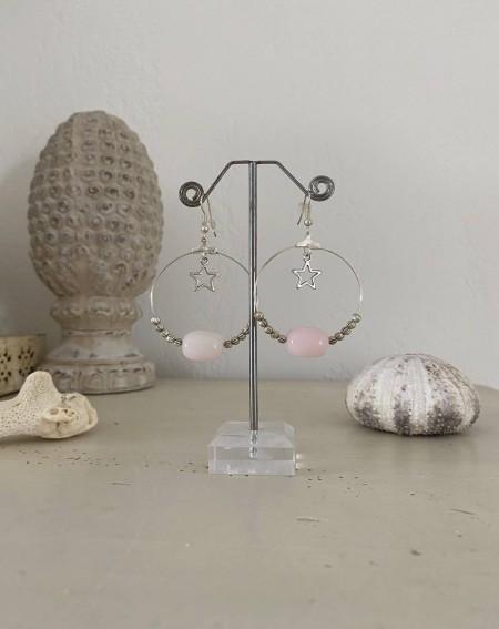 Boucles d'oreilles créoles perle allongée coloris rosé