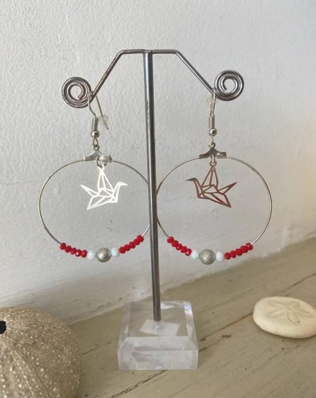 Créoles pendentif oiseau et perles cristal rouge