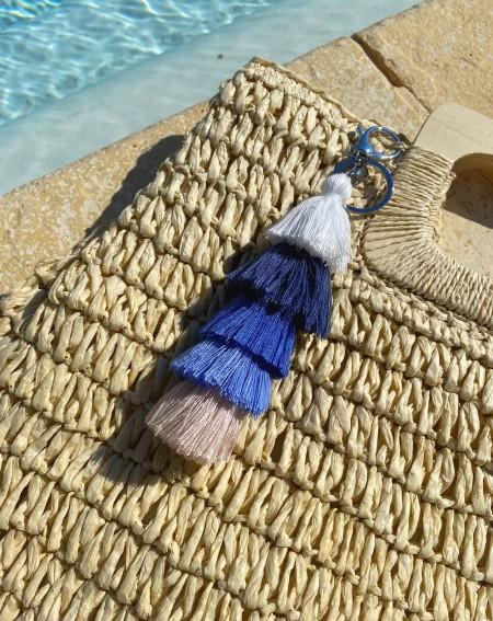 Bijoux de sac à pompons multicolores bleu marine, blanc et beige