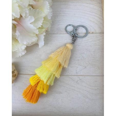 Porte clés pompons jaune, beige et corail