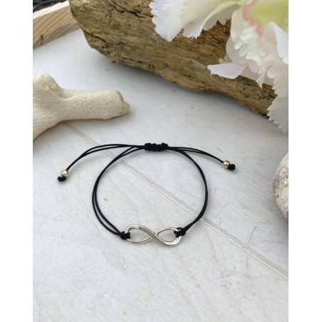 Bracelet cordon noir au pendentif infini