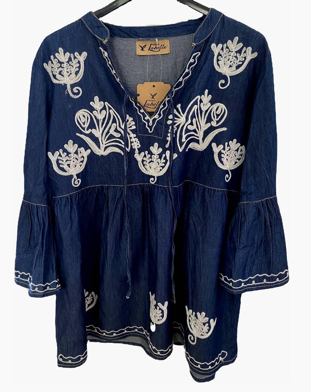 Blouse tunique bleue jean foncé à motifs brodés