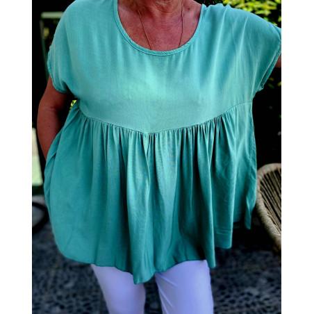 blouse verte  col rond et manches courtes