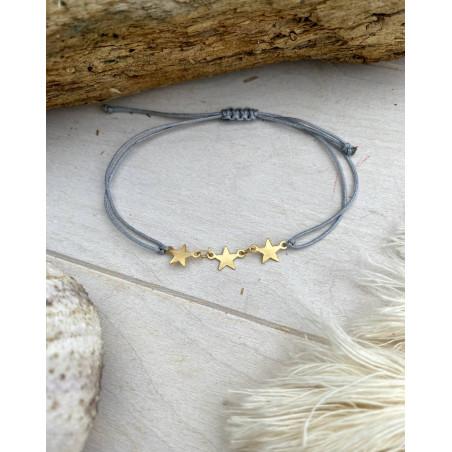 Bracelet aux 3 étoiles assorti d'un cordon gris