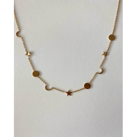Collier chaîne femme en acier doré avec lunes, étoiles et médaillons