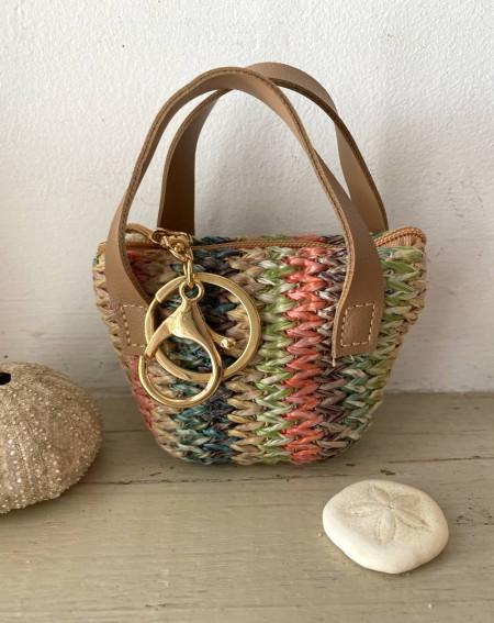 Porte monnaie mini-sac tressé coloris vert, corail et naturel