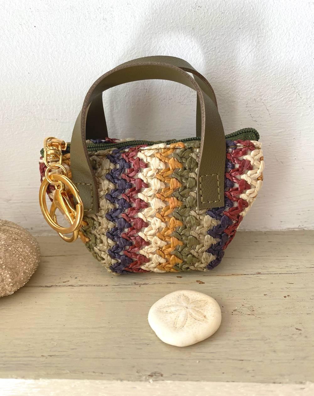 Porte monnaie mini-sac tressé coloris kaki, marron et naturel