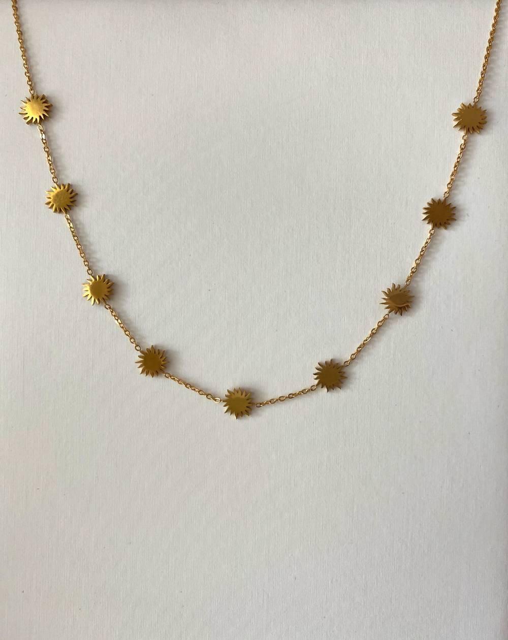 Collier médaillons soleils dorés en acier inoxydable et hypoallergénique