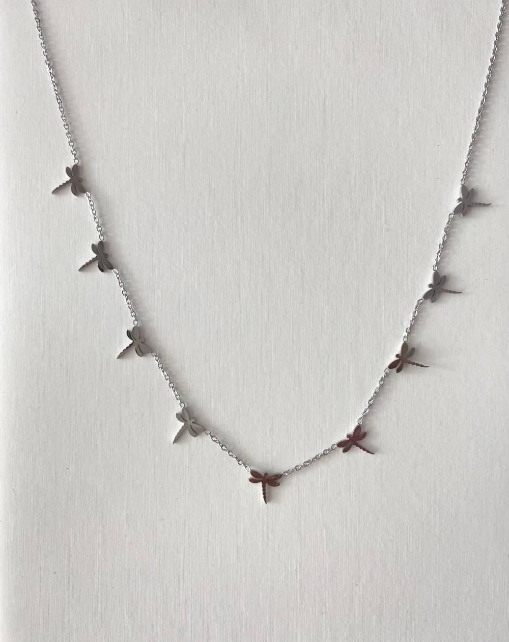 Collier chaîne argenté en acier inoxydable aux libellules