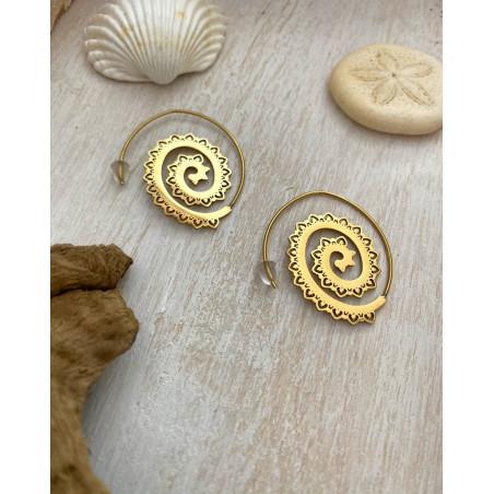 Créoles originales dorées style tribal en spirale