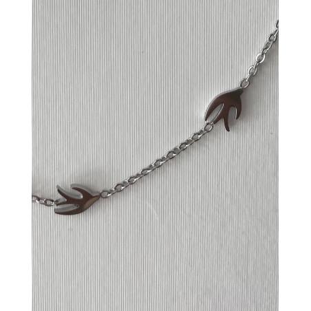 Collier aux hirondelles argentées en acier inoxydable