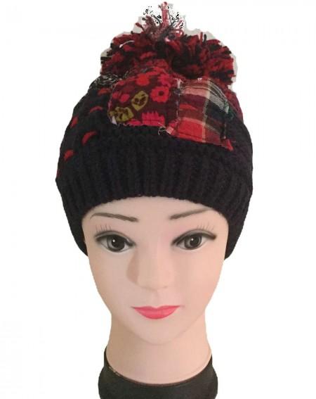 Bonnet femme à pompon façon patchwork bleu et rouge