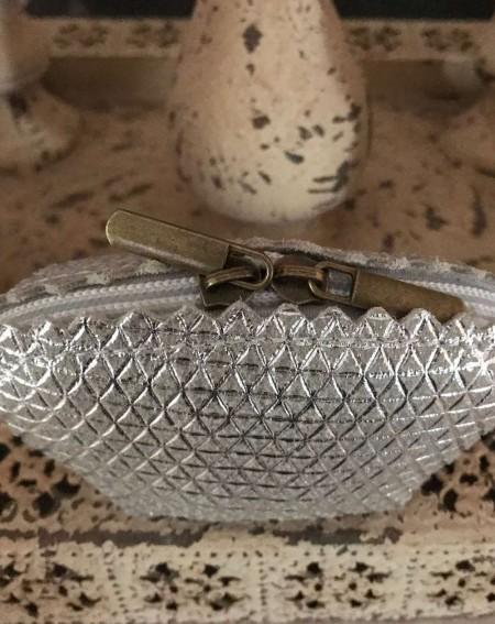 Porte monnaie en cuir véritable coloris argenté
