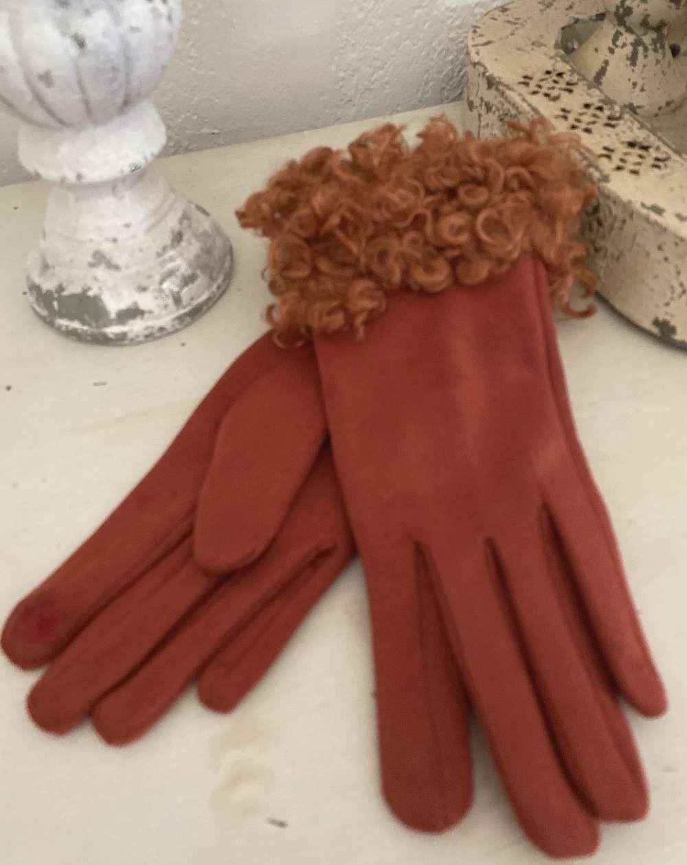 Gants femme coloris brique avec moumoute style mouton frisé
