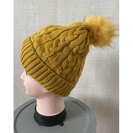 Bonnet femme à pompon coloris jaune