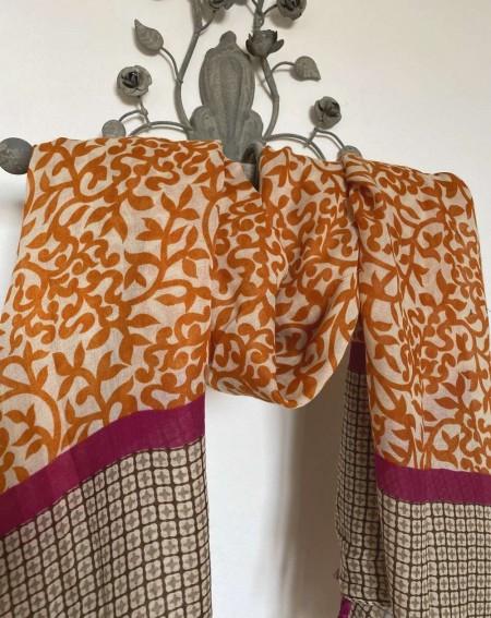 Foulard à pompons pour femmes, à motifs briques et fuchsias