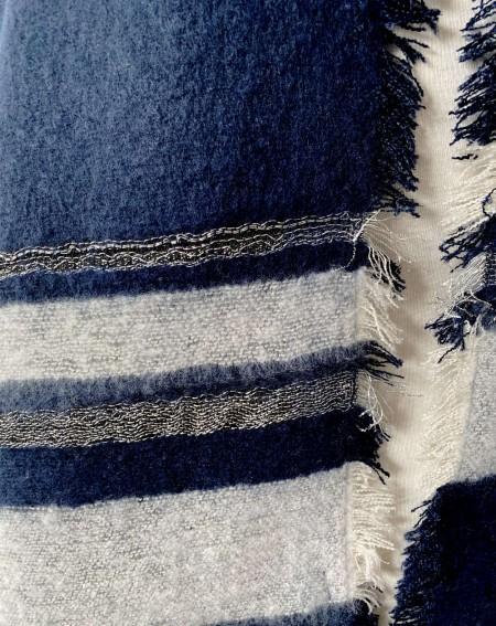 Grande écharpe châle bleu marine et bandes grises claires
