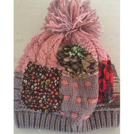 Bonnet fantaisie façon patchwork coloris rose
